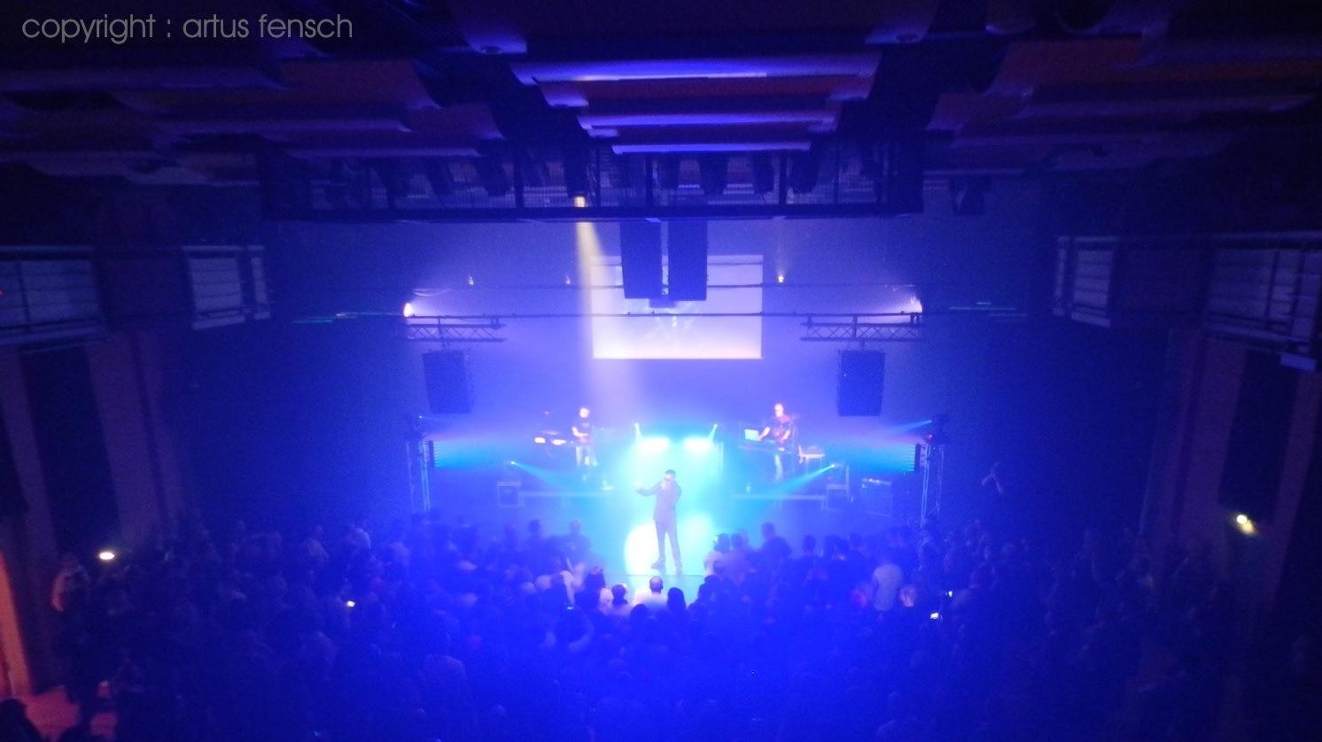Synthom_live.jpg